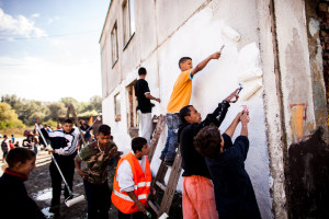 Tomas Rafa: Športové múry _ The Wall of Sports 2012 Michalovce rómska osada Angi mlyn
