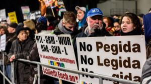Tomas Rafa: Pegida-Legida-Leipzig-21_01_2015 Neo fascists vs. Antifa CB7B2268